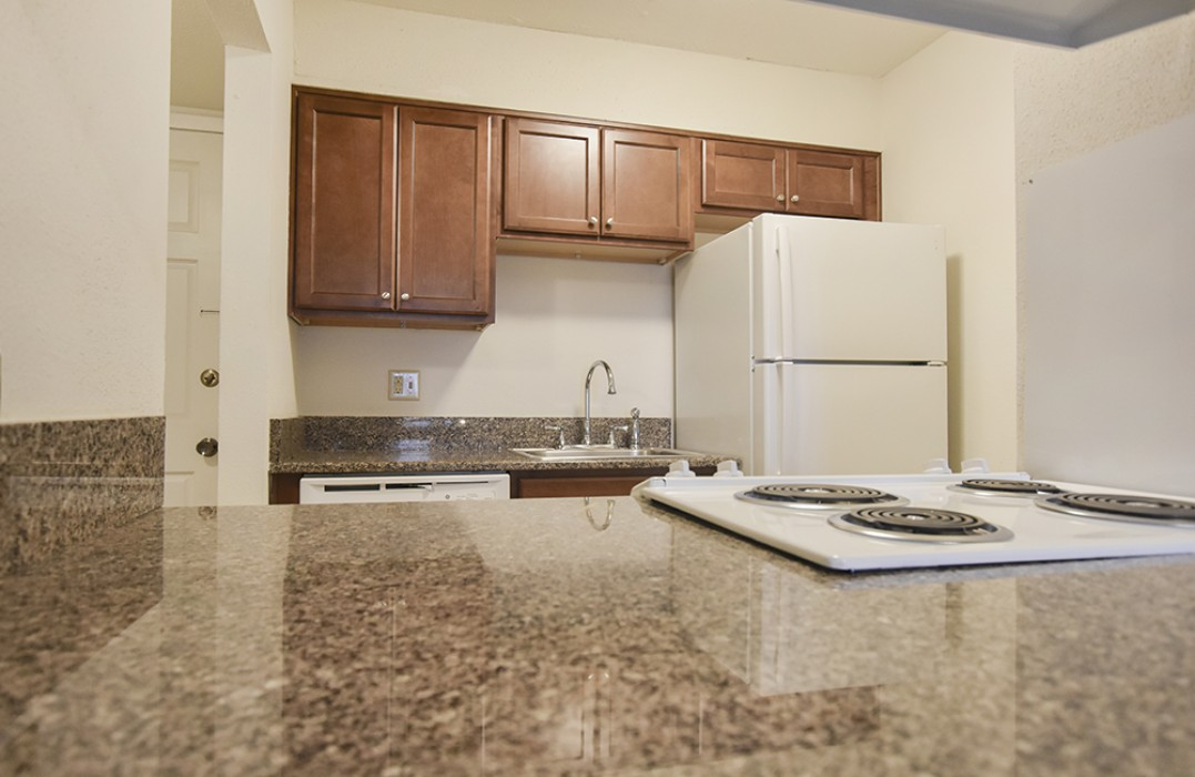 Flowergate Apartments For Rent In Metairie, LA   1, 2, 3 Bedroom Apartments  For Rent   1st Lake Properties