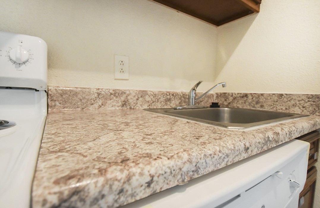Willowood Apartments In Metairie LA   Studio, 1, 2, 3 Bedroom Apartments  For Rent   1st Lake Properties