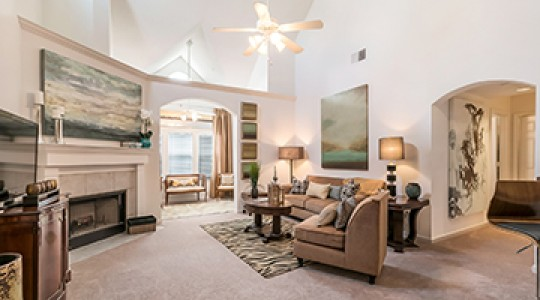 1st Lake Apartments in New Orleans, Louisiana