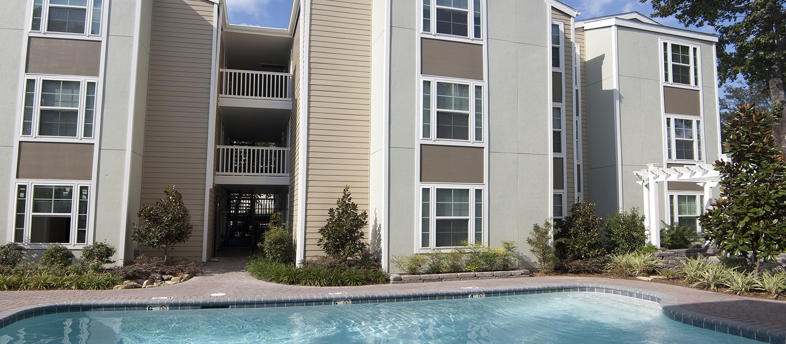 Willowood Apartments In Metairie La Studio 1 2 3 Bedroom Apartments For Rent 1st Lake