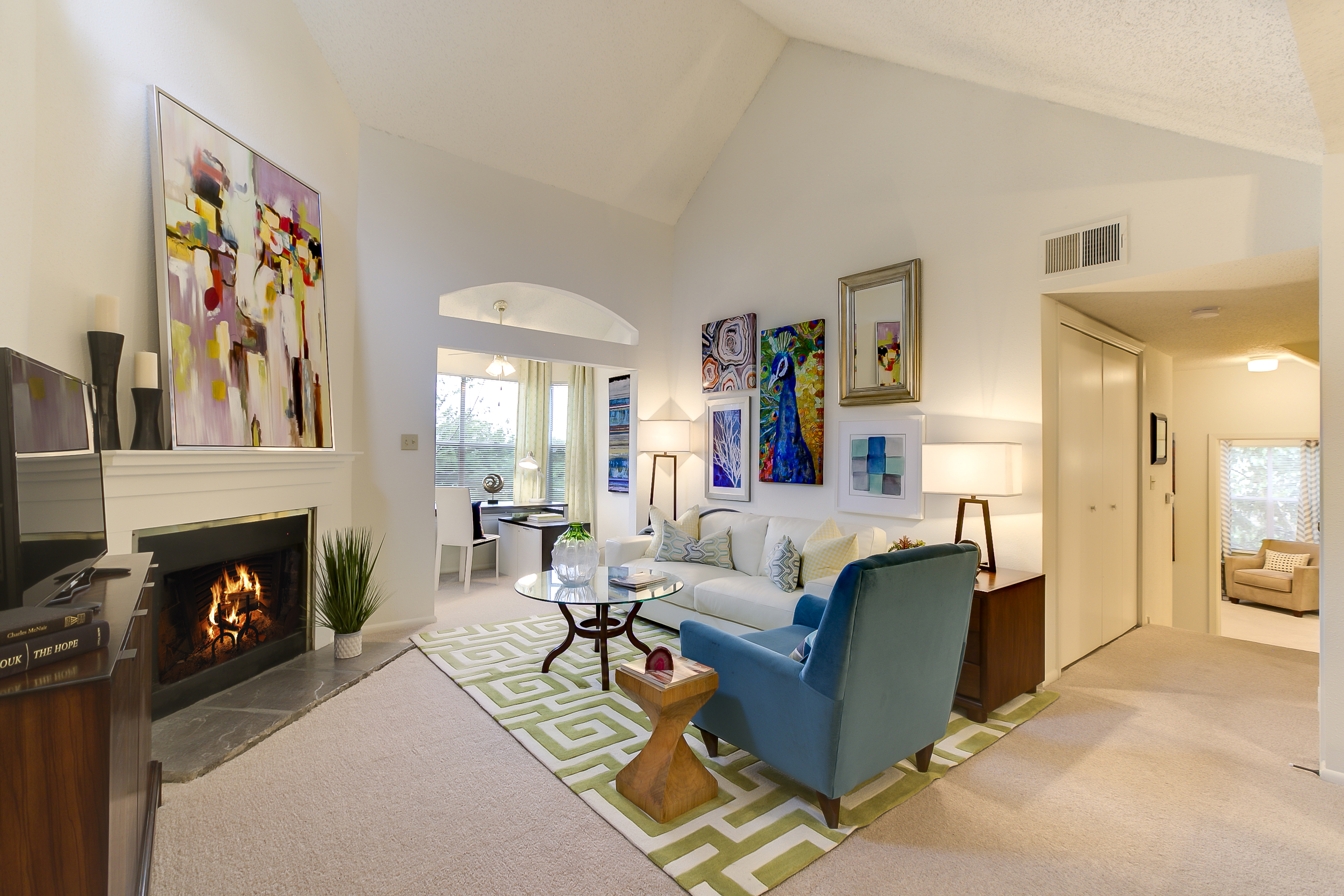 An airy yet cozy room at Citrus Creek West.